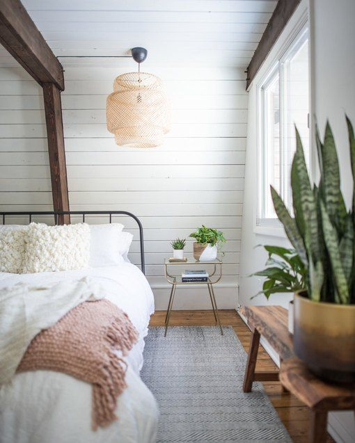 16 Classy Rustic Bedroom Designs: 10 Rustic Bedroom Ideas That Are Warm And Inviting