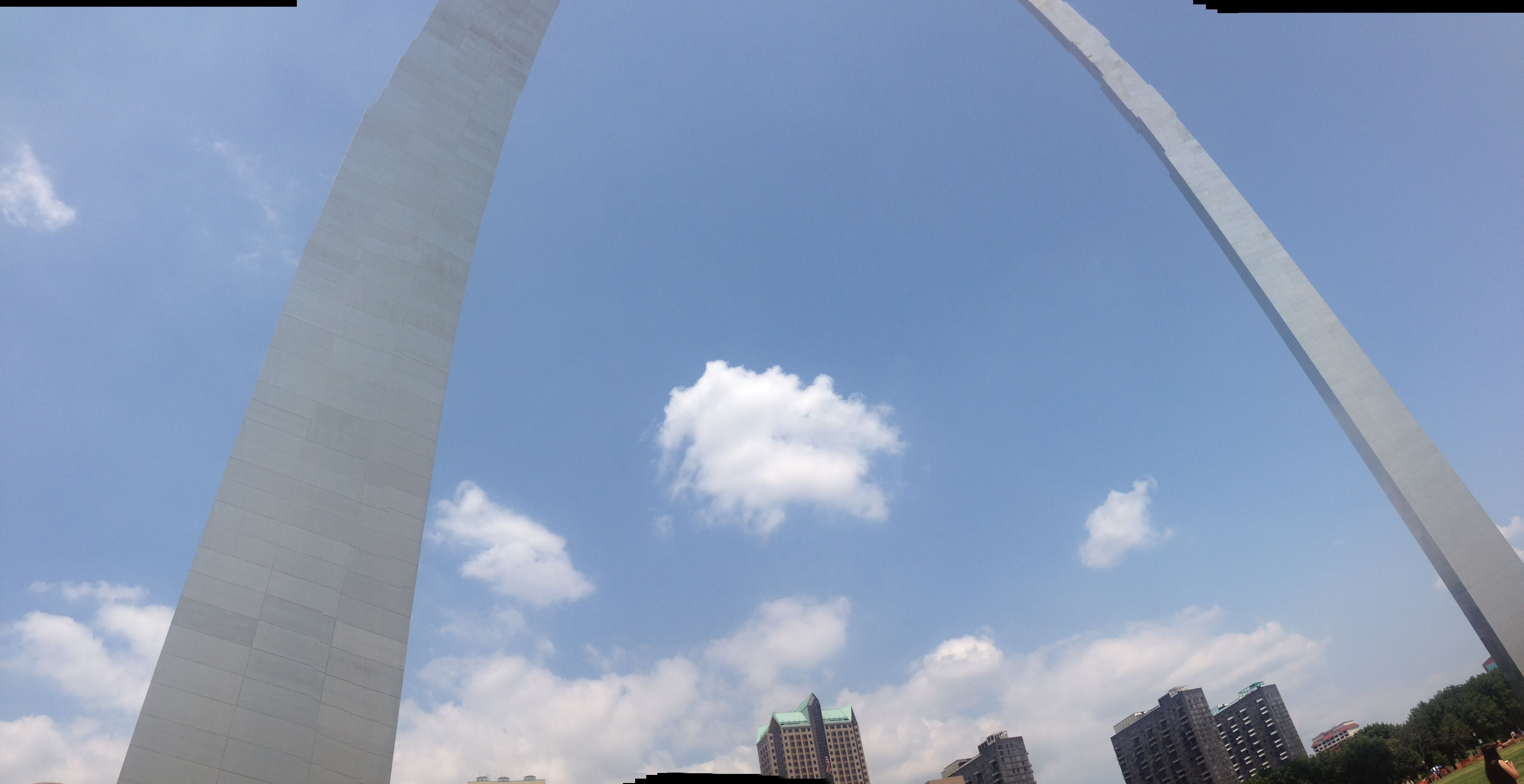 Gateway Arch in St Louis, MO. Holy MOly! (OK, I couldn\'t resist the ...