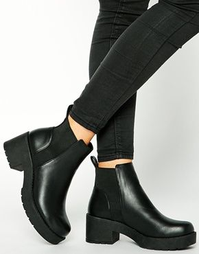 Enlarge New Look Wide Fit Demolish Chunky Heel Chelsea Boots