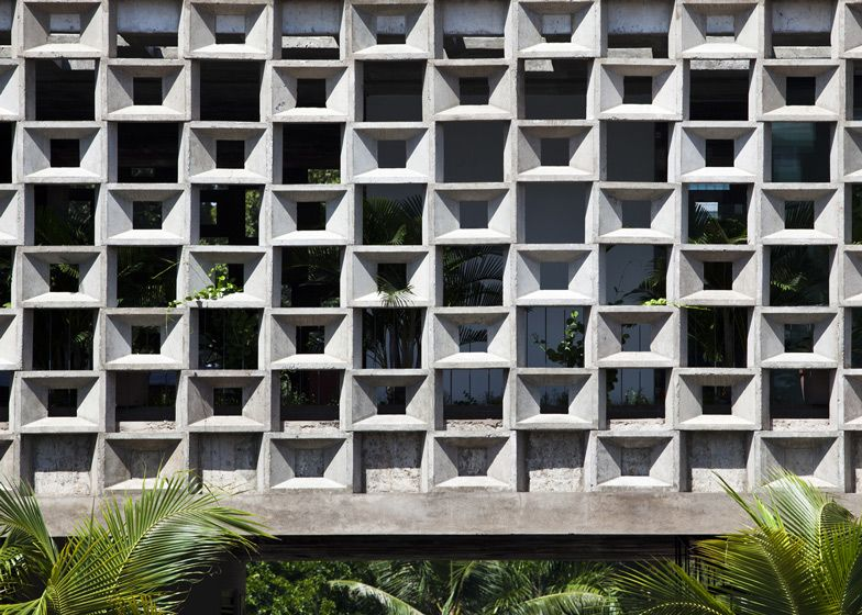 A House In Ho Chi Minh City With Half Of Its Floors Screened Behind Hollow Concrete Blocks And The Other Half Exposed To Th Ventilation Design Architect Sanuki