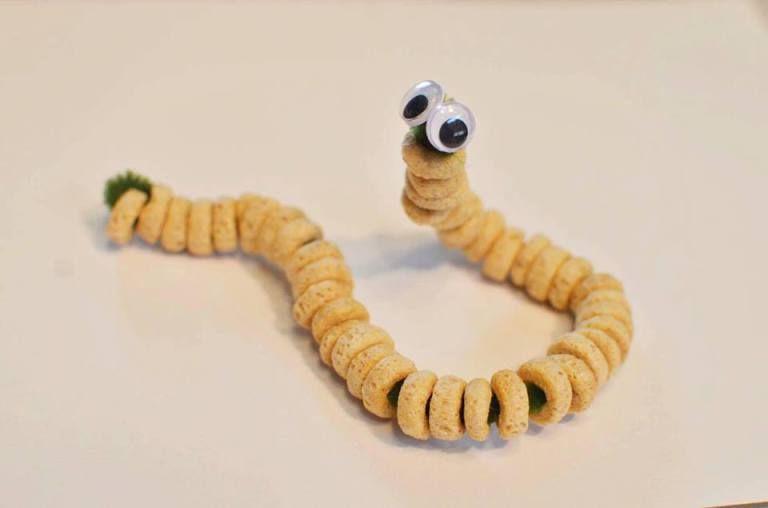 Cheerio Caterpillars - Fine Motor Skills Activity for Preschoolers | Fine  motor skills activities, Motor skills activities, Minibeasts activities
