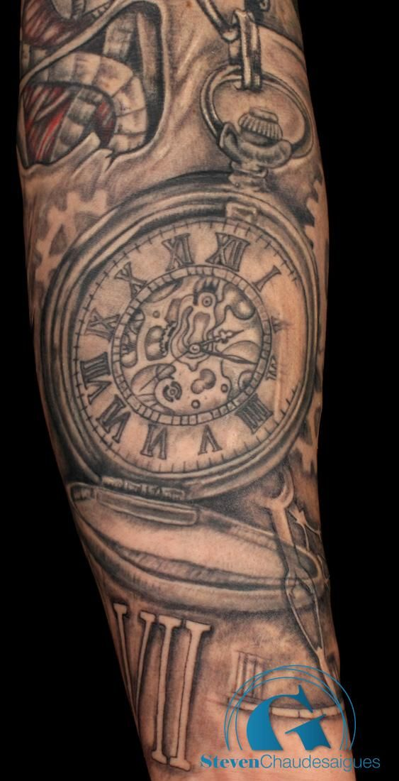 tatouage biomecanique horloge tatouages tattoos et ink. Black Bedroom Furniture Sets. Home Design Ideas