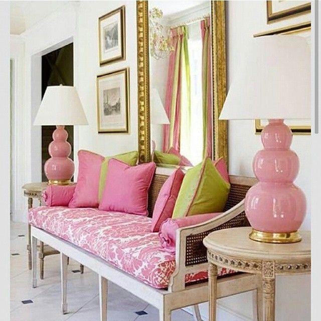الوان فرايحية كنب الوان ديكورات ديكور فازة بنكي وردي الناس الرايئة Modern Interior Decor Pink Room Pink Decor