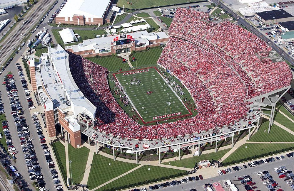 Louisville S Papa John S Cardinal Stadium The Oven Louisville Cardinals Louisville Football University Of Louisville Louisville