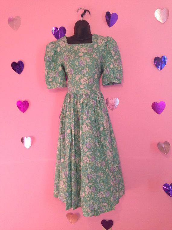 Vintage 1980s Pasrel Green Floral Spring Lolita by jennymalibu
