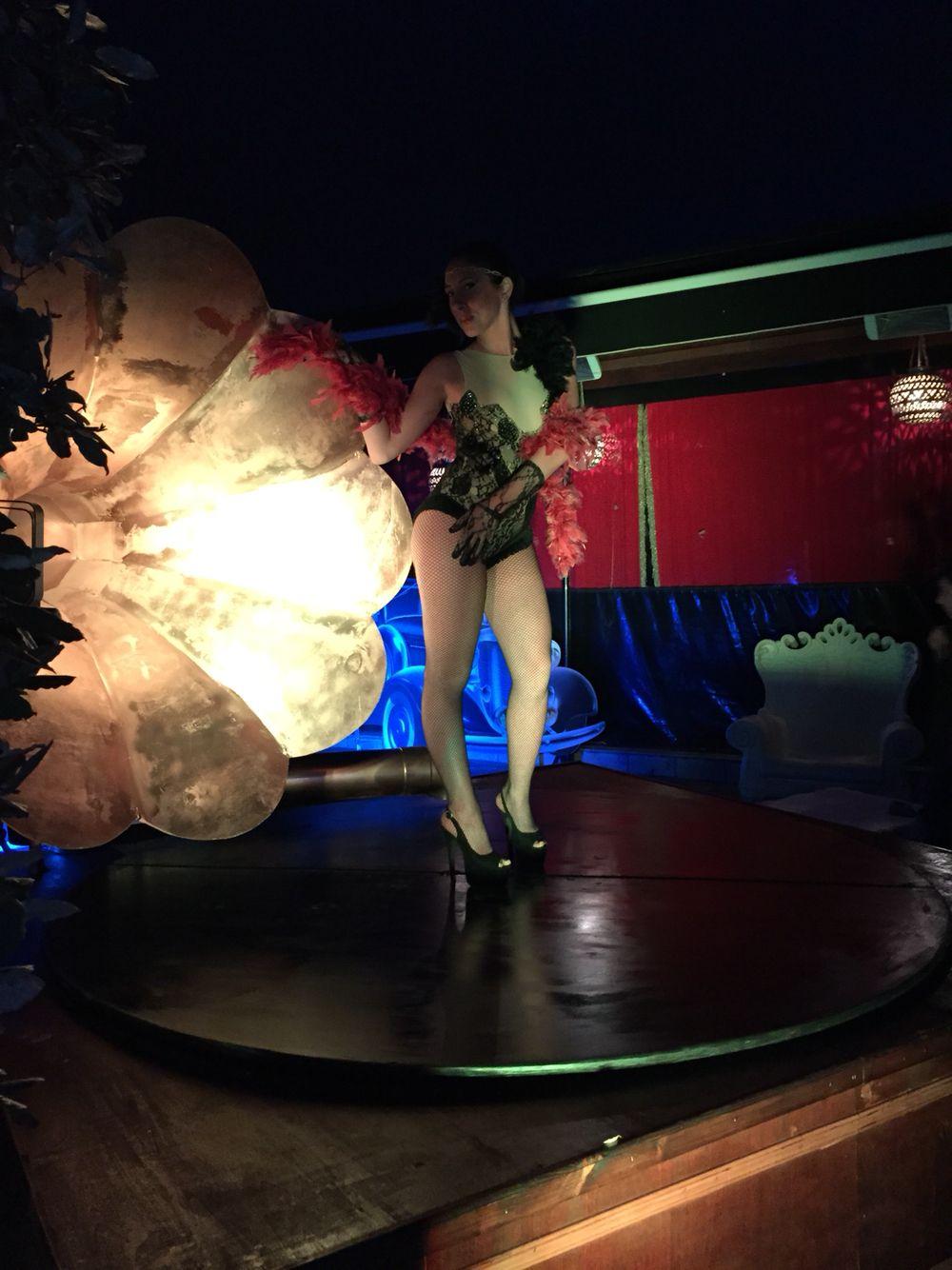 Grammofono con ballerina