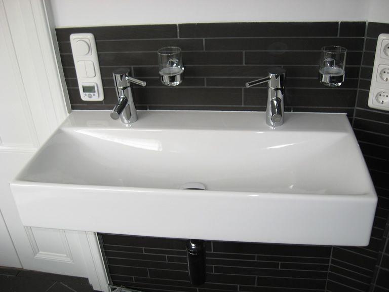 Geschikte dubbele wastafel voor kleine badkamer - Badkamers ...