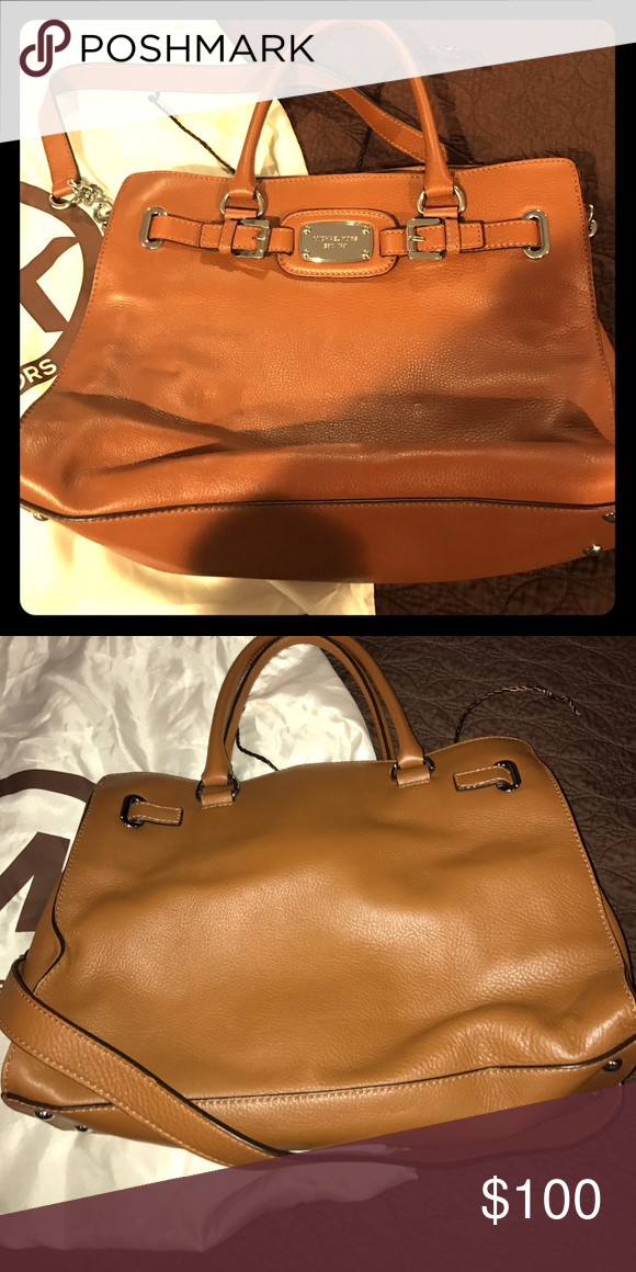 6562999eff Used only a couple of times. Perfect for taking to the office. Dust bag  included. Michael Kors Collection Bags Shoulder Bags