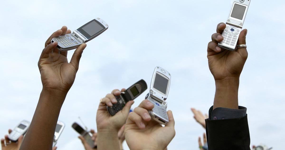 Tracfone es un proveedor de servicios de telefonía móvil que ofrece un servicio sin contratos, depósitos o cheques de crédito. TracFone Wireless provee servicios a millones de ...