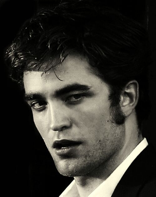"""♥♥ *Gulp!* Rob's """"come hither"""" stare! DED!!!"""