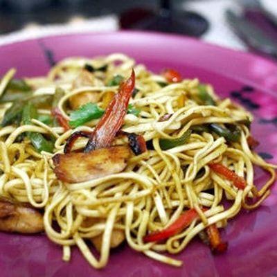 nouilles sautées poulet-poivrons à l'asiatique : 45 recettes aux