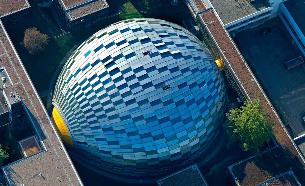 A Universidade Livre De Berlim Na Alemanha Tem Uma Biblioteca