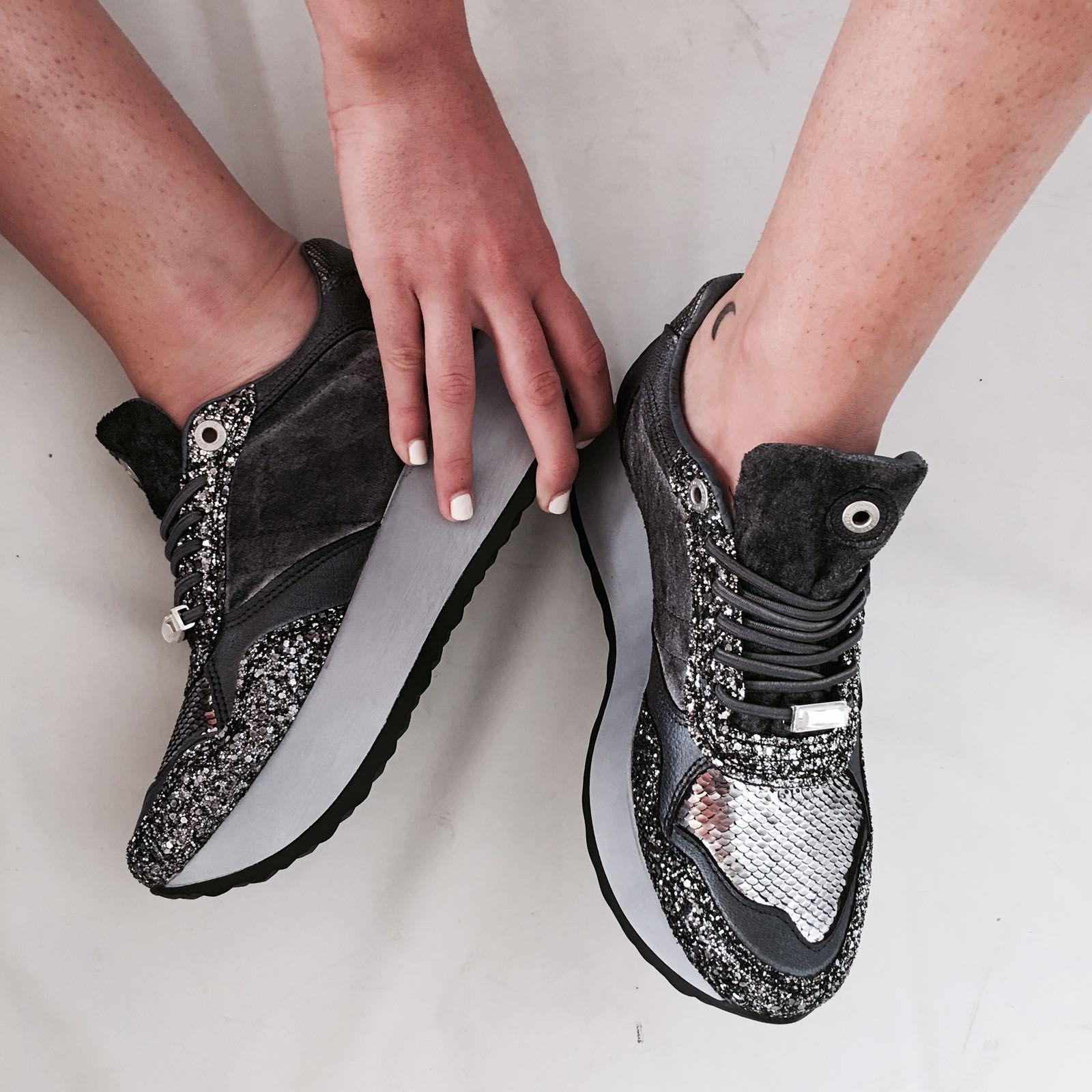 79f4db1c41a  Sneakers CETTI Maxi Shine con plataforma y multi lentejuelas para brillar  esta temporada