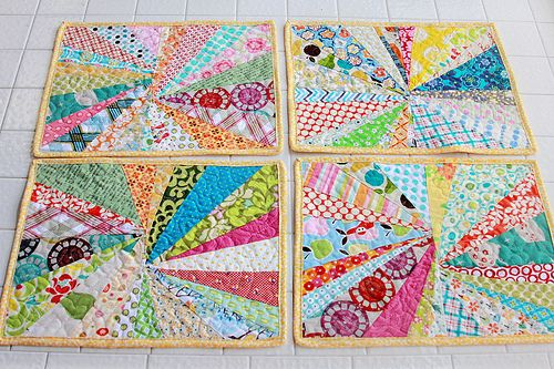 Quilted Mug rugs (coasters) tutorial #ScrapFabric
