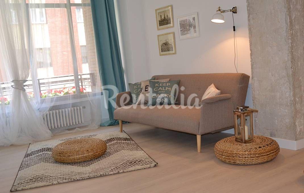 Piso  de 3 habitaciones en Logroño centro. Logroño (Rioja (La)). Publicado en Rentalia ref.325849. Contacto directo con el propietario.