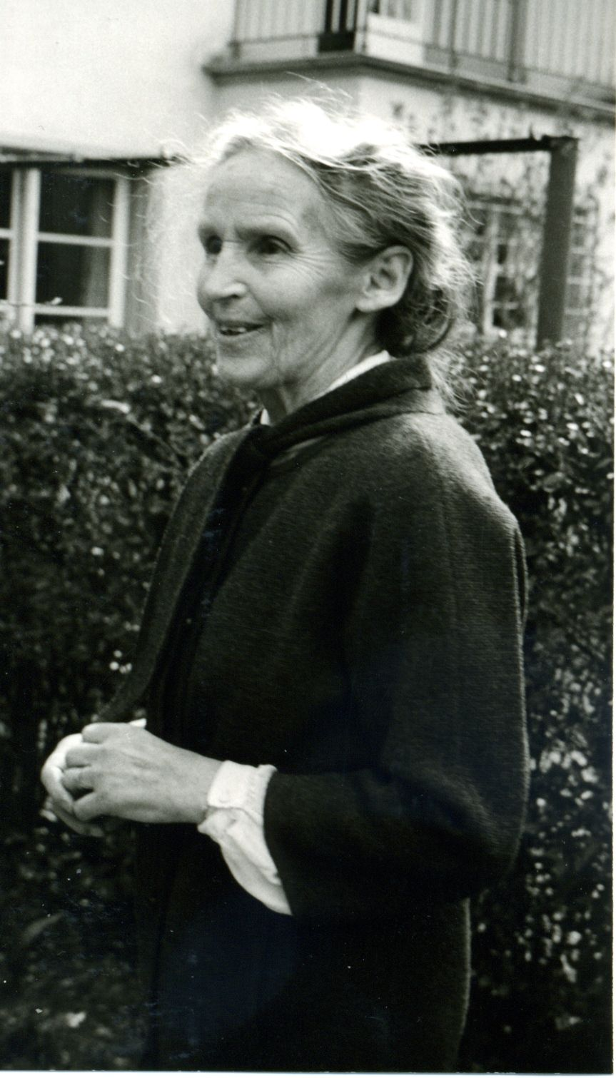 Nelly Barth