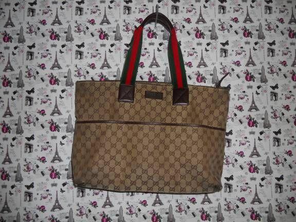 9061aec54 Ombro Feminino Gucci Usado - Bolsa Gucci Original. Tem Que Reformar. |  enjoei :