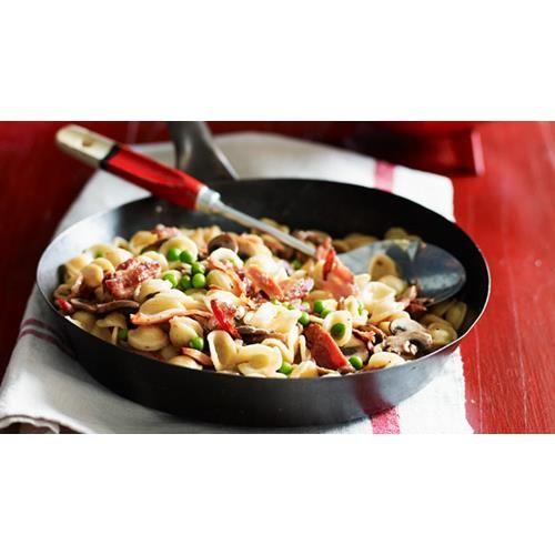 Orecchiette with mushrooms, peas and pancetta