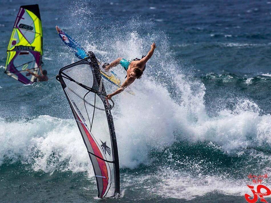 Stylish Graham Ezzy at Hookipa Windsurfing, Paddle