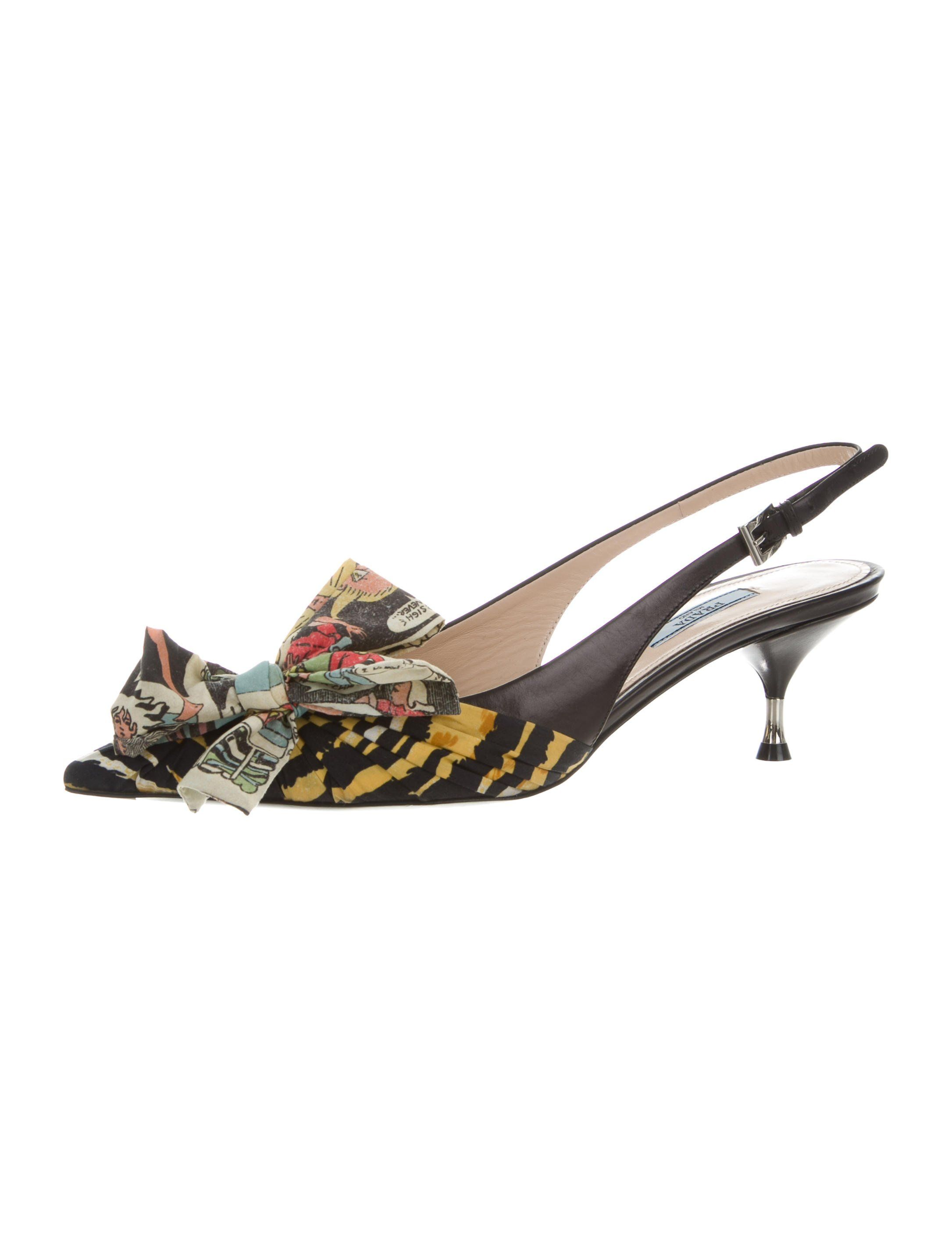 From The 2017 Collection Black Leather Prada Slingback Pumps With Printed Cap Toes Featuring Bow Accents Metal Kitten Heels Pumps Slingback Pump Kitten Heels