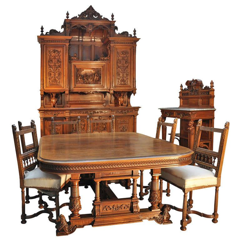 Antique Neo Renaissance Style Dining Room Set In Walnut Wood By