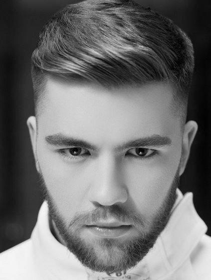 Corte de cabello hacia atras para hombres