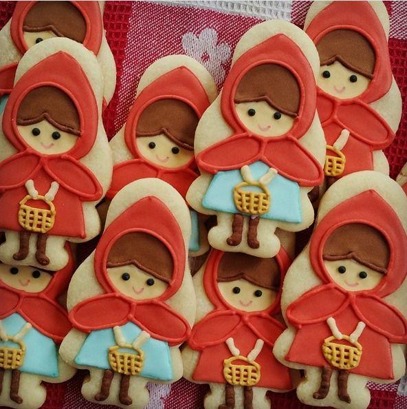 "Dayrine Garcia on Instagram: ""#caperucitaroja #littleredridinghood #littleredridinghoodcookies"""