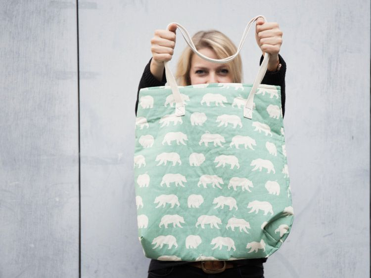 DIY-Anleitung: Einfache Tasche mit Schnittmuster nähen via DaWanda ...