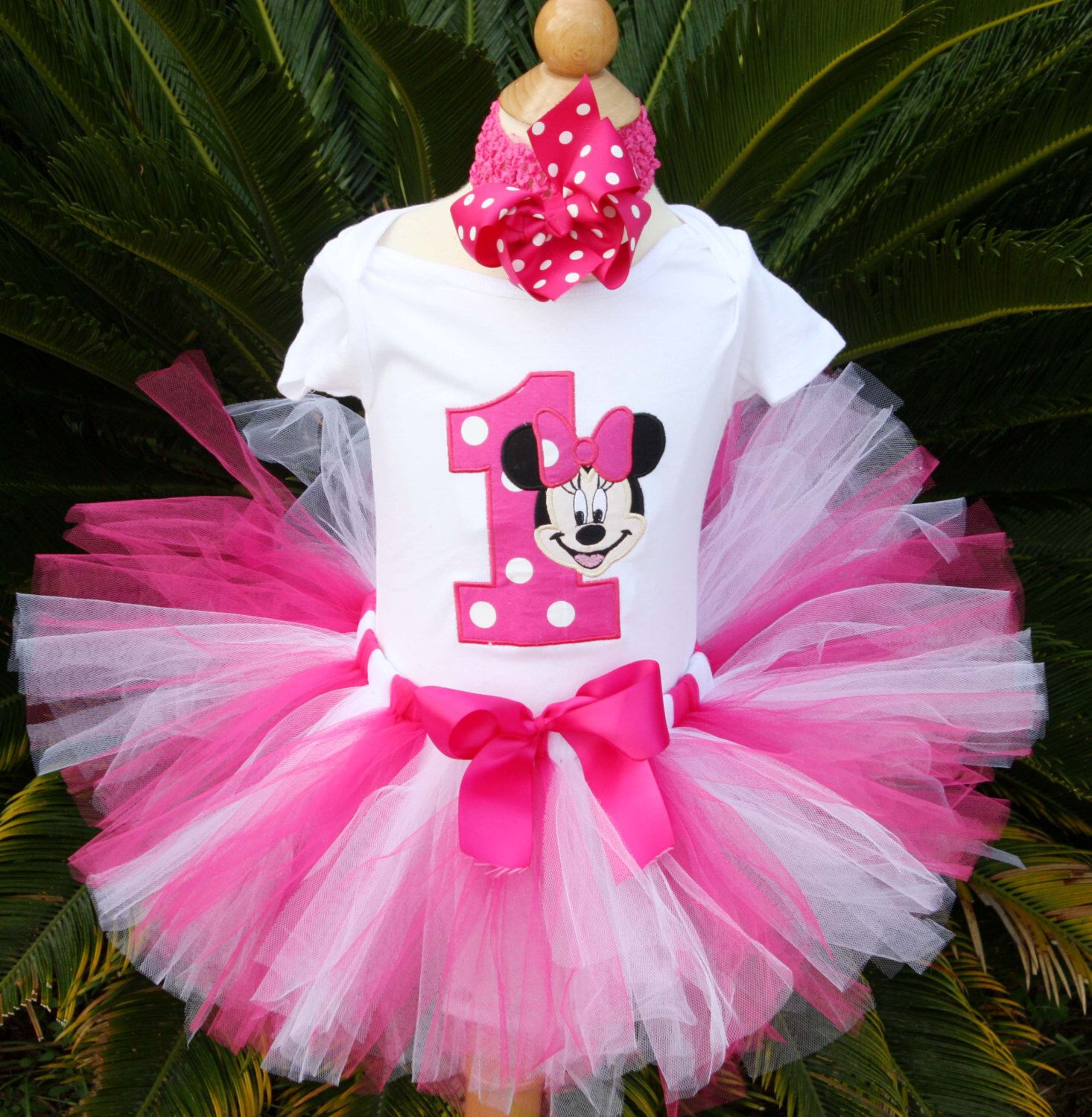 Minnie Mouse tutu set by kajanuary1 on Etsy https://www.etsy.com ...