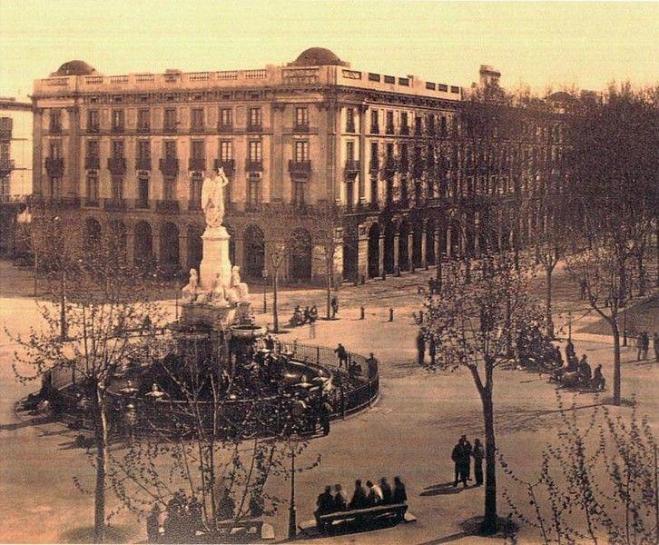 Casa Xifrè i Font del Geni Català, amb el passeig d'Isabel II. Principis segle XX.