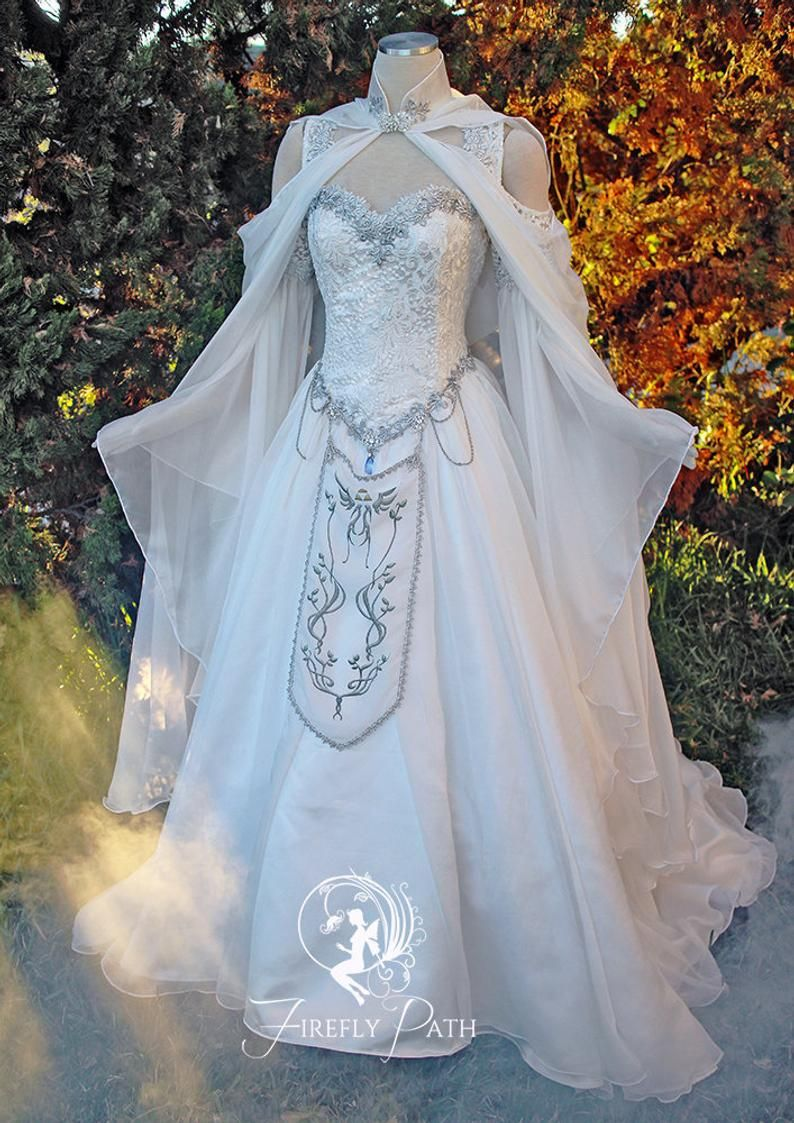 Hyrule Gown Etsy in 2020 Fantasy gowns, Fantasy dress
