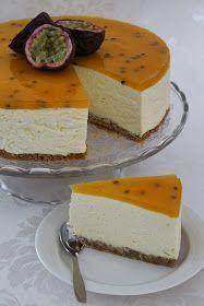 Hei! Tein kaksi juustokakkua miehen synttäreiden kunniaksi ja toinen niistä oli passionjuustokakku. Kakku on todella iso ja 26cm irtopohja...