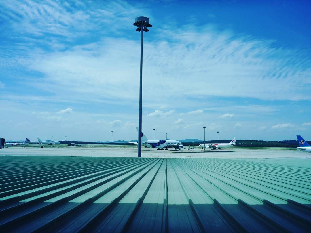 @AppLetstag #travel #airplane #fly #holiday #sky #trip #vacation #waiting #airline #traveling #airport #plane #flight #planes #summer #happy #instagramaviation