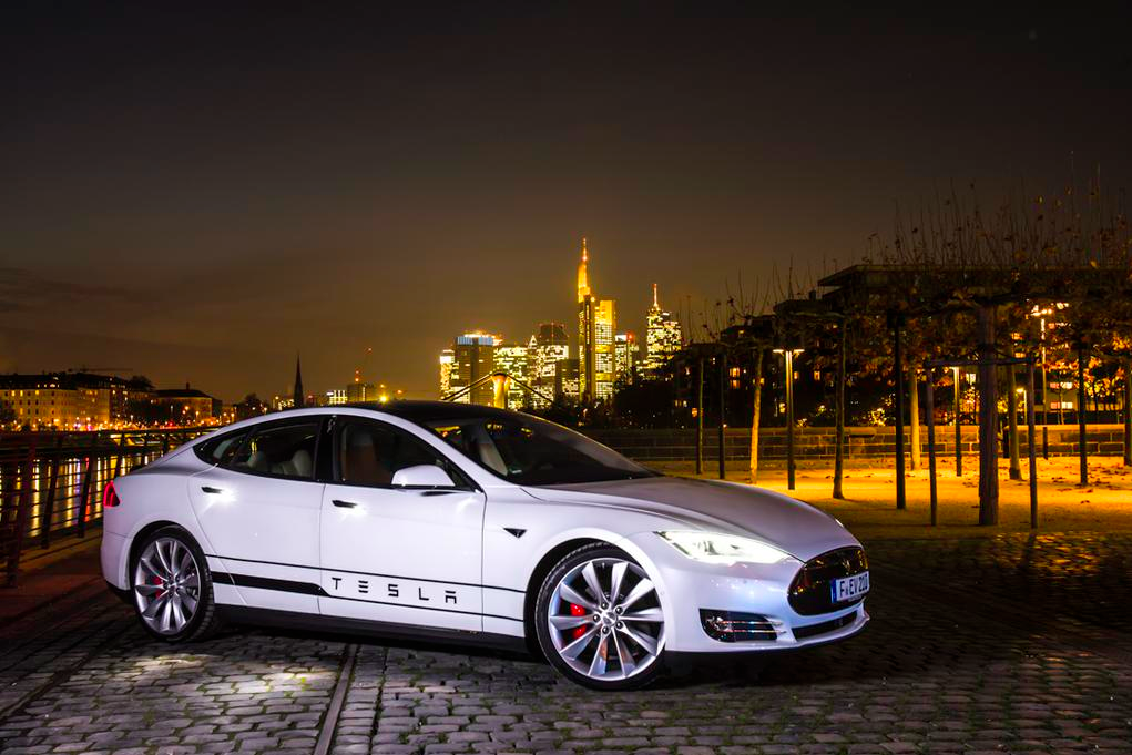 Tesla Model S Against The Berlin Skyline So Gorgeous Lessonator Com Tesla Car Luxury Cars Mercedes Luxury Cars