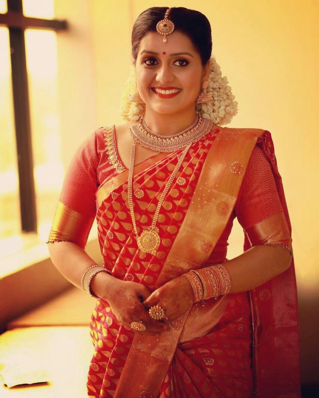 Kerala Wedding Hairstyles For Women: Pin By Sabin Pk On SARAYU In 2020