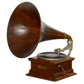 Monarch Gramophone With Wooden Horn C 1907 Phonograph
