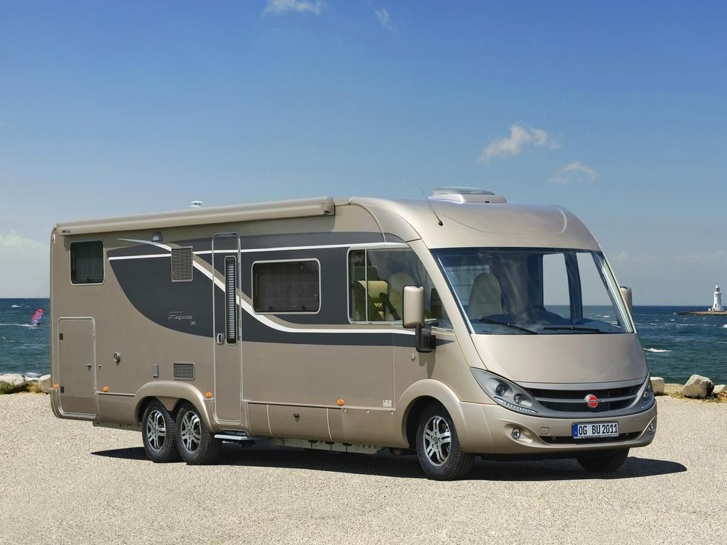 b rstner el gance i 840 g motorhome sobre fiat ducato. Black Bedroom Furniture Sets. Home Design Ideas