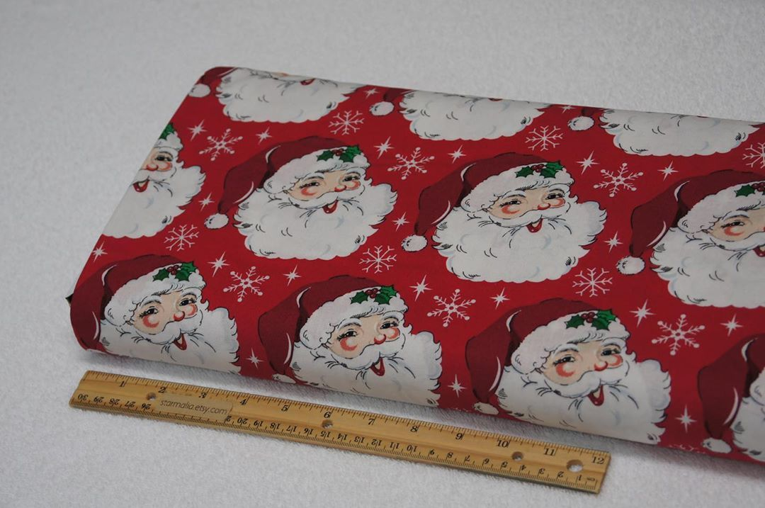 Santa Claus Heads, Christmas Holiday Fabric 100 Cotton. Perfect for crafting, quilting, apparel and so much more fabric related projects you may have, the possibilities are endless. Machine wash gentle cool with like colors, tumble dry low and remove promptly.