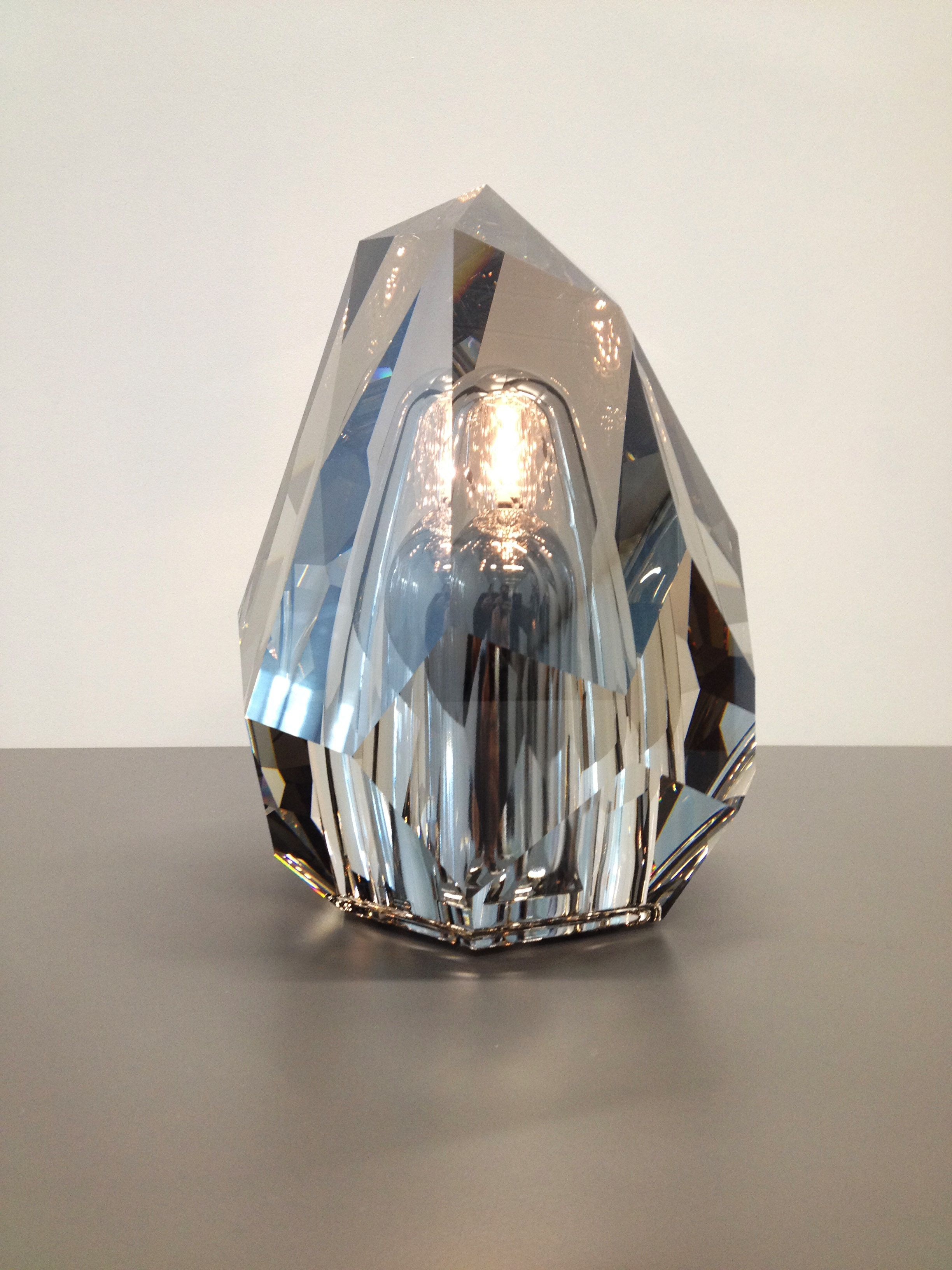 Neoz Cordless Table Lamp Collaboration With Crystals From