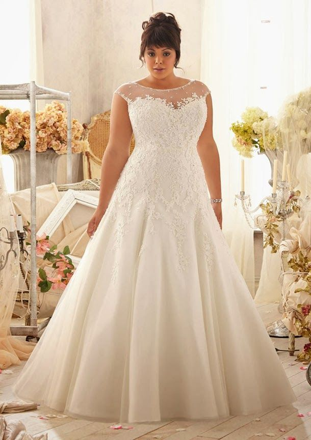 Cap Sleeve Venice Lace Liques On Net With Crystal Beaded Trim Wedding Dress Plus Size