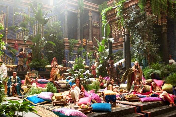 The Set Of Oliver Stone S Alexander 2004 Uses Multiple Shades Of Textural Green To Provides Audience S With A Visua Gardens Of Babylon Hanging Garden Babylon