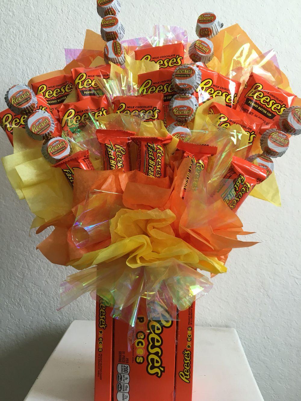 DIY Candy Bouquet (Fun & Easy Gift Idea)   Candy bouquet, Easy ...