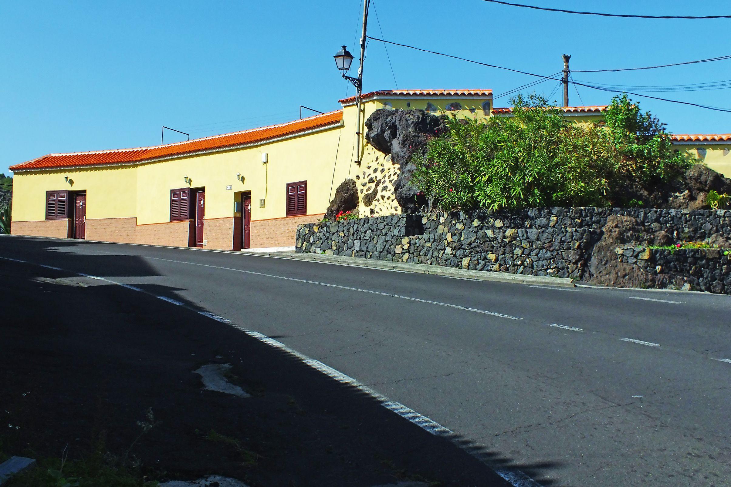 El Tanque. Tenerife. Islas Canarias. Spain.   [By Valentin Enrique].