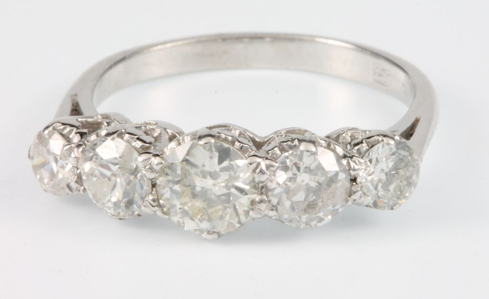 Lot 666 An 18ct White Gold 5 Stone Diamond Ring Approx 1 8ct