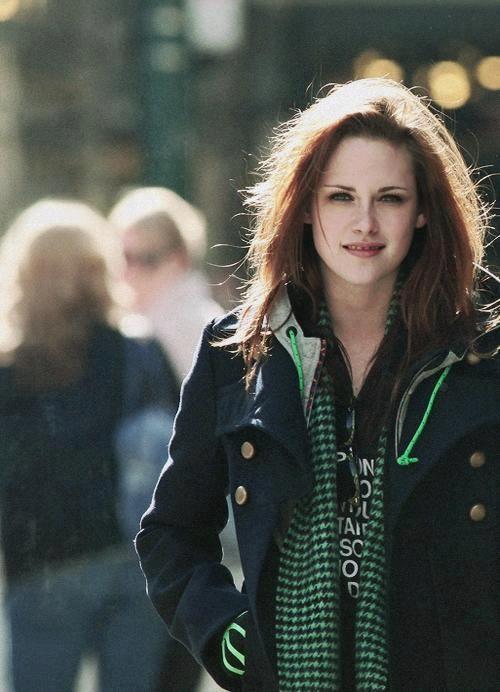 Indian Stunning Actress: Stunning Kristen Stewart Cute N hot Pics
