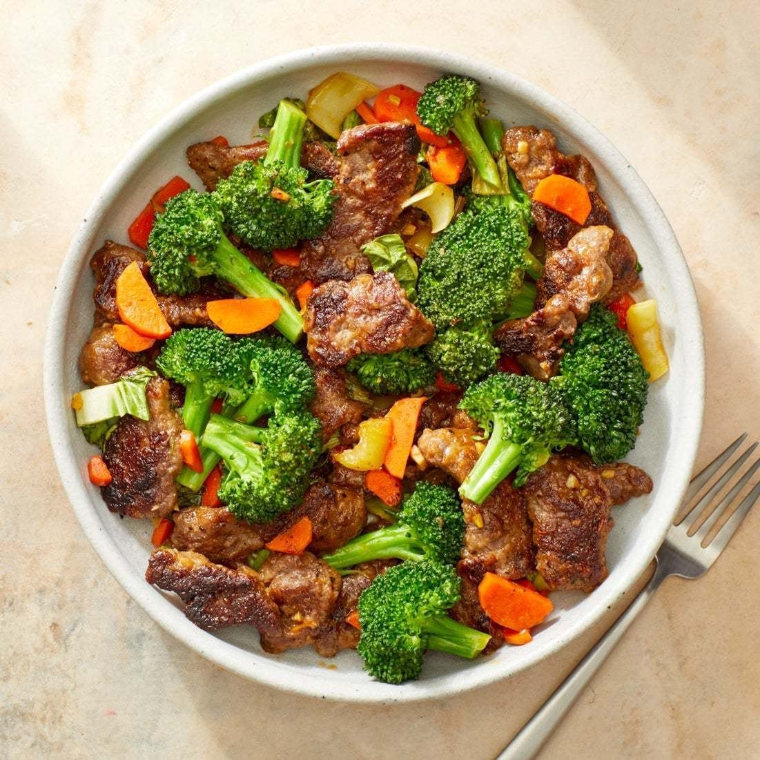 Beef & Vegetable Stir-Fry with Spicy Sambal Sauce #vegetablestirfry Beef & Vegetable Stir-Fry with Spicy Sambal Sauce #stirfrysauce
