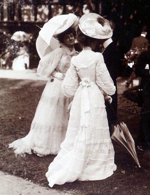 longchamp france 1900 victorian pinterest sch ne kleidung portrait und kleider. Black Bedroom Furniture Sets. Home Design Ideas