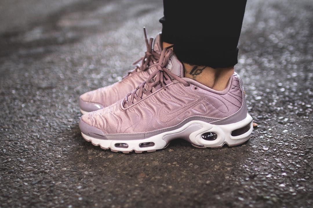 best website 6b075 31de9 Wmns Nike Air Max Plus Satin