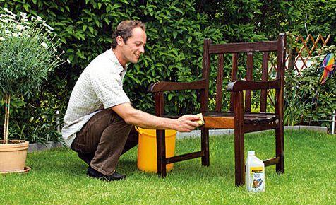 Gartenmöbel stehen meist bei Wind und Wetter das ganze Jahr über - holz gartenmobel pflegen