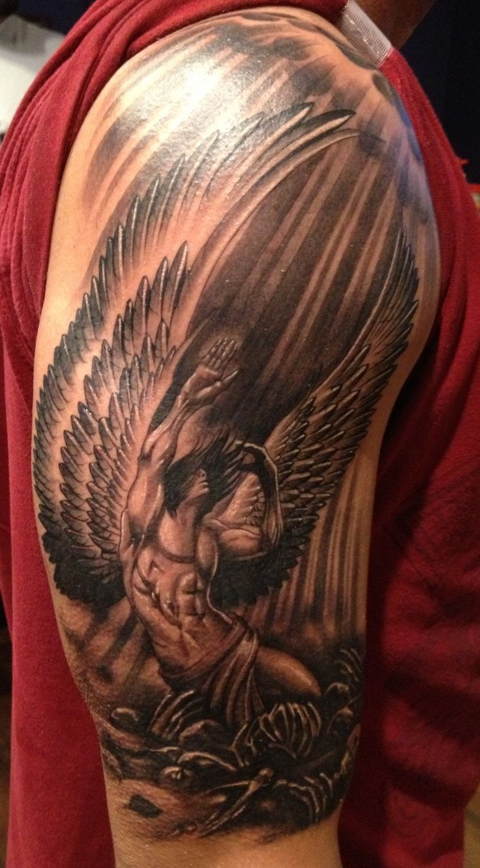 Tatuajes De Angeles Y Disenos De Regalo Tatuajes De Angel Para Hombres Angel Caido Tatuaje Mejores Tatuajes De Manga